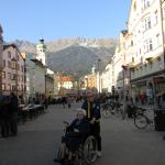 14 Mama mit Gery in der Theresienstrasse IBK RGR