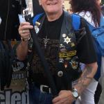 14 Rudy kauft Fahrradschlauch Designgürtel RGR