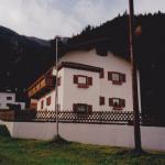 Wohnhaus 1 Frontansicht RGR