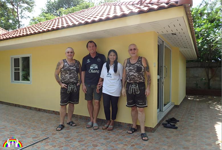 Lex + Hans in Ban Nong Saeng bei RGR